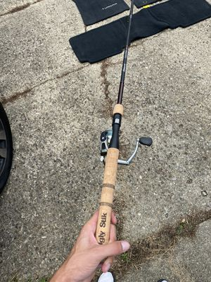 Fishing pole Ugly stick rod Quantum reel for Sale in Carroll, OH