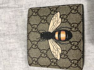 Gucci bee wallet for Sale in Chicago, IL