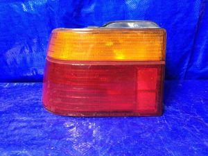 OEM 1990 1991 HYUNDAI SONATA DRIVER LEFT TAIL LIGHT for Sale in Miami Gardens, FL
