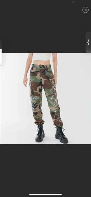 Vintage Paint Splatter Camo Pants URBAN OUTFITTERS for Sale in South Miami, FL
