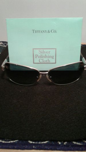 Tiffany REGISTERED ladies sunglasses for Sale in Lutz, FL