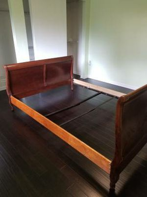 Queen size Bed Frame for Sale in Lynnwood, WA