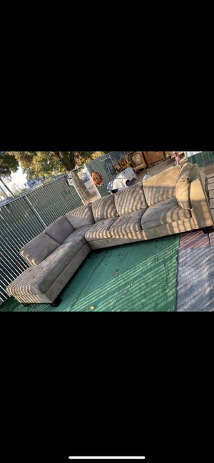 Sectional couch for Sale in Stockton, CA