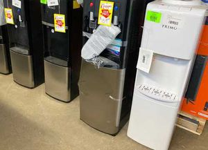 Top and bottom load water dispenser H0 4 for Sale in Dallas, TX
