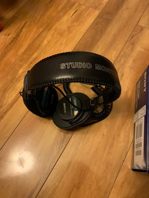 Sony MDR 7506 Headphones for Sale in Memphis, TN