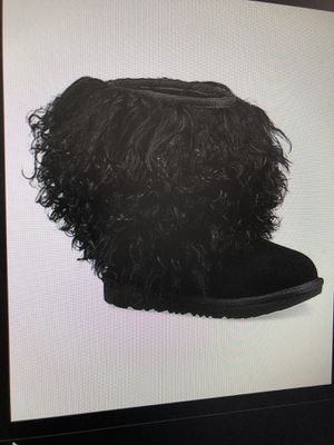 SIZE 13 YOUTH UGG SHAGGY FUR BOOTS for Sale in Washington, DC