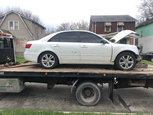 2009 Hyundai Sonata parts for Sale in Detroit, MI