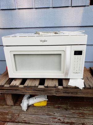 Whirlpool 1000 watt microwave for Sale in Everett, WA