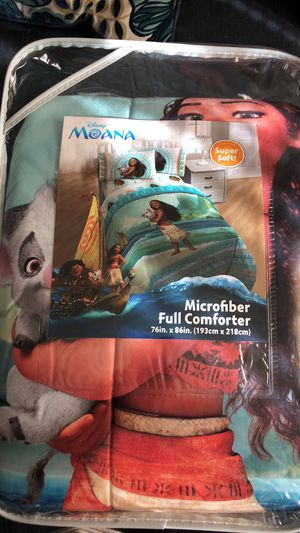Moana full size comforter for Sale in Webster, MA