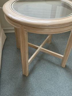 (2) End Tables (sold as a set) for Sale in Redmond,  WA