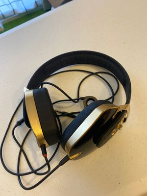 Pryma headphone by Beyoncé made in Italy for Sale in Renton, WA