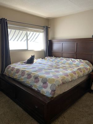 King Cherry Wood Bed Frame for Sale in San Diego, CA