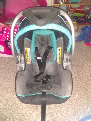 Baby Trend Car Seat for Sale in Fort Wayne, IN