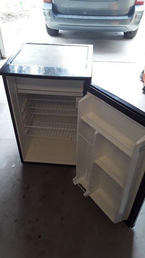 Refrigerador con freezer keenmore for Sale in Winter Park, FL