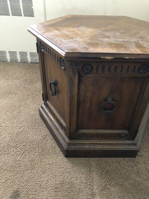 Round Table for Sale in Buffalo, NY
