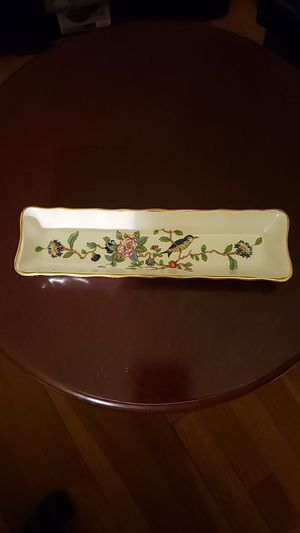 Pembroke pattern tray with bird and floral dec. for Sale in Houston, TX