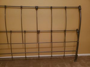 Metal King size bed frame for Sale in Yuma, AZ