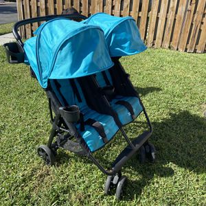 Zoe Brand Double Stroller for Sale in Fort Lauderdale, FL
