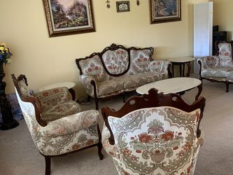 Victorian Style Formal Living Room Set for Sale in Chatsworth,  CA