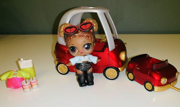 LOL SURPRISE Car And Doll Court Champ