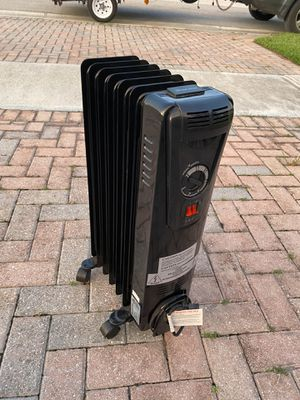 Electric space heater for Sale in Fort Pierce, FL