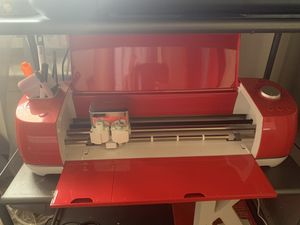 Cricut explorer air 2 and heat press for Sale in Camp Springs, MD