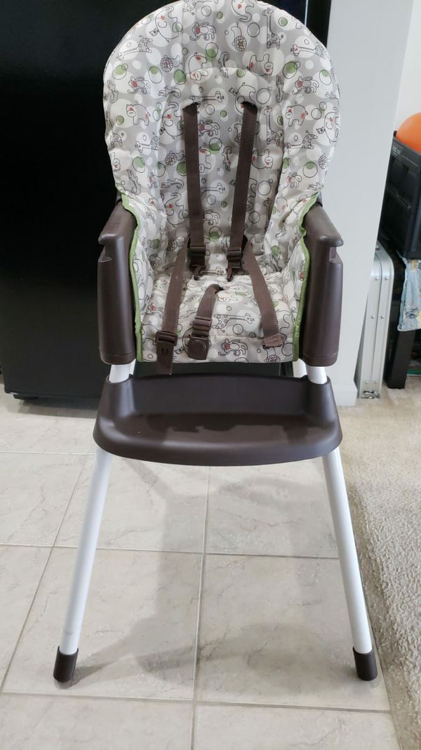 Graco high chair converts to booster seat