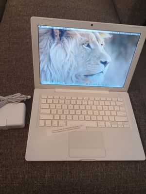 Apple Macbook Like New for Sale in Petersburg, VA
