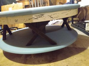 Wood Coffee Table that spins!! for Sale in St. Louis, MO