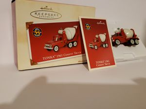 Hallmark Christmas Collectable Truck Decor New In Box for Sale in Liberty, SC