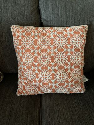 Lightly used decorative throw pillows for Sale in Riverside, CA