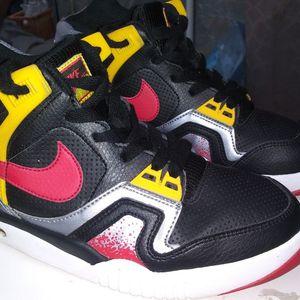 Nike Air 7.5 Mens/boys for Sale in Duluth, GA