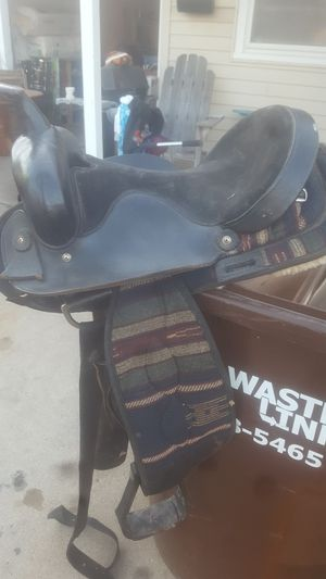 big horn saddle and horse blankets for Sale in Wichita, KS