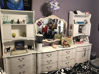 French provincial girls bedroom set for Sale in Browns Mills,  NJ