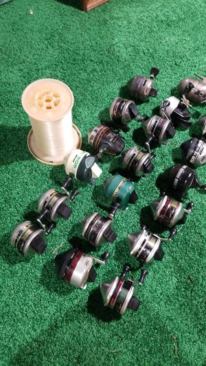 19 fishing reels mostly ZEBCO's and 3000 ft of fishing line for Sale in Oklahoma City, OK