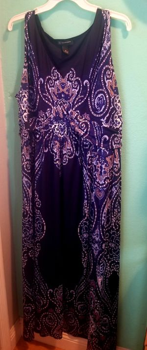 Pretty Blue Summer Maxi Dress..Size 2x Womens plus size..Like New! for Sale in Modesto, CA