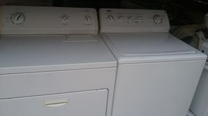 Kenmore Matching Set Washer and Dryer Electric for Sale in Cleveland, OH
