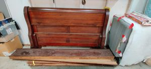 FREE Queen size sturdy bed frame - missing one kickboard for Sale in Renton, WA
