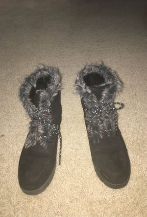 Just fab fur boots Size 10 for Sale in Gaithersburg, MD