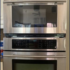 WoW JennAir High End Chef Kitchen Set Up - Wall Microwave/Oven Combo! for Sale in Bonita Springs, FL