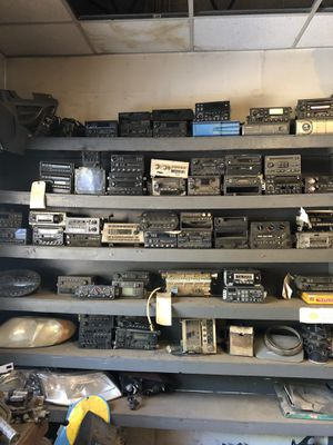 Old/ new radios Oldsmobile, Ford, Chevy for Sale in Coventry, RI