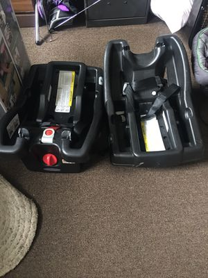 2 Graco car seat bases for Sale in Crawfordsville, IN