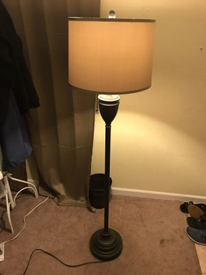 Great quality floor lamp for Sale in San Leandro, CA