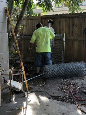 Se instala fence estimado gratis for Sale in Auburndale, FL