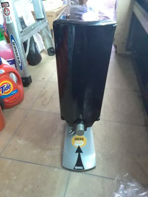 Gehl 2.0 Dispenser for Cheese/Chili to make nachos for Sale in Los Angeles, CA