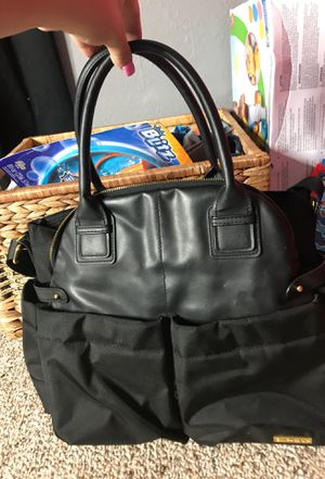 Skip and hop black diaper bag for Sale in Tampa, FL