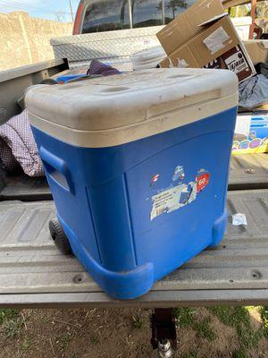 Igloo cooler for Sale in Phoenix, AZ