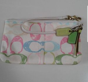 Women's wristlet handbag Very good condition no stains or rips lightly used. for Sale in Gurnee, IL