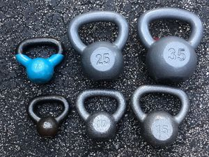 VARIETY OF KETTLEBELS : 5LB. ARE &$8 / 7.5LB. ARE $15 / 10LB. ARE $30 / 15LB. ARE $35 / 25LB. ARE $100 / 35LB. ARE $120 for Sale in Deerfield Beach, FL