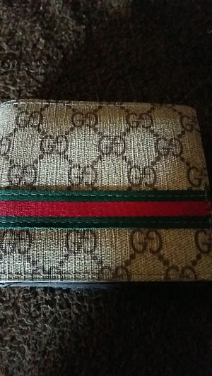 Gucci wallet for Sale in Sanger, CA